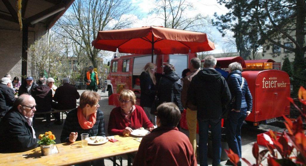 Ockstädter Feierwehr beim Frühlingsfest - Tag der offenen Gärtnerei in der Baumschule Rinn